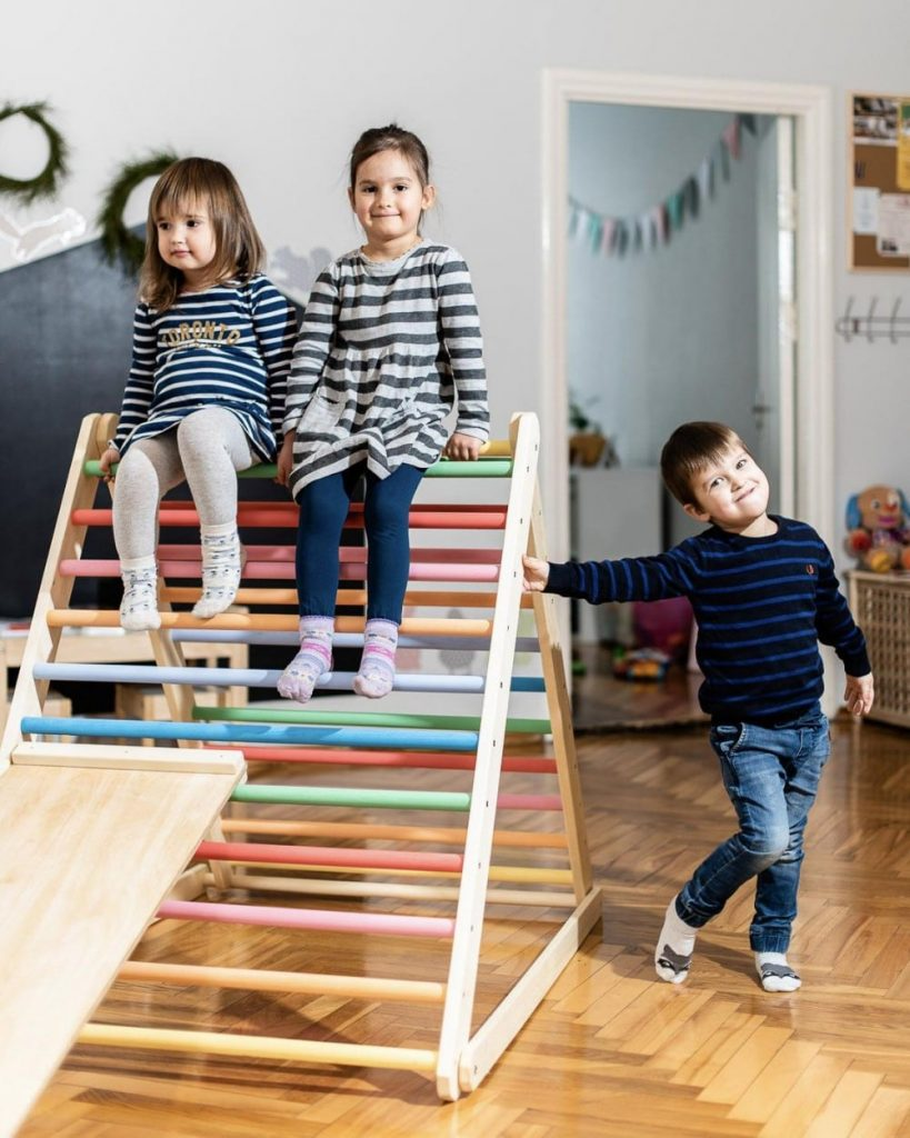 Homefordreams rainbow color best indoor wooden climbing toy for toddlers.