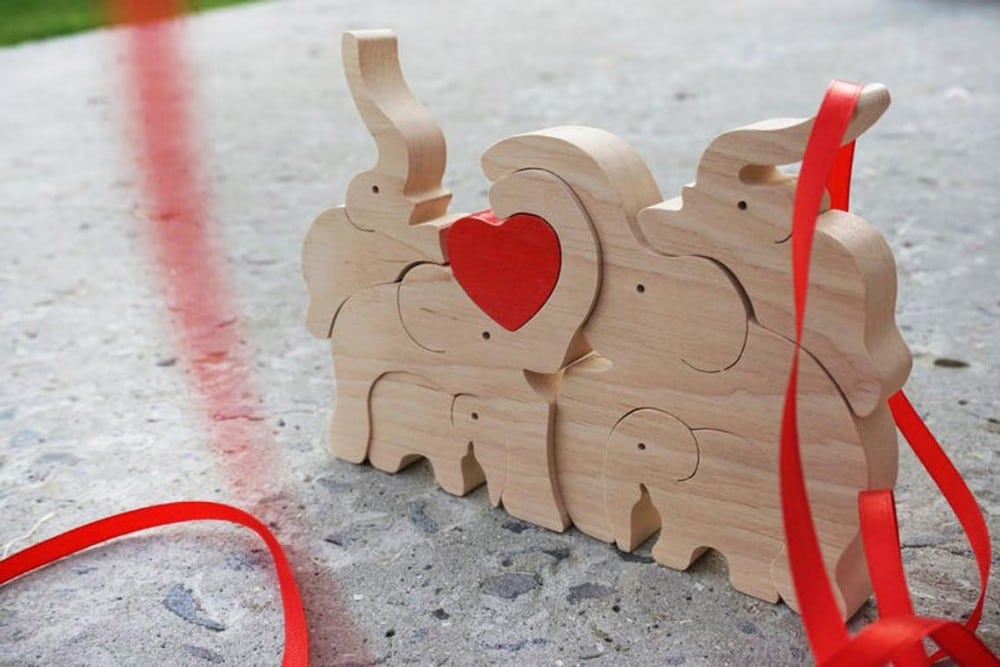 Wooden Joy Toy Big Family Of Elephants Natural Wood Stacking Toy With Red Heart