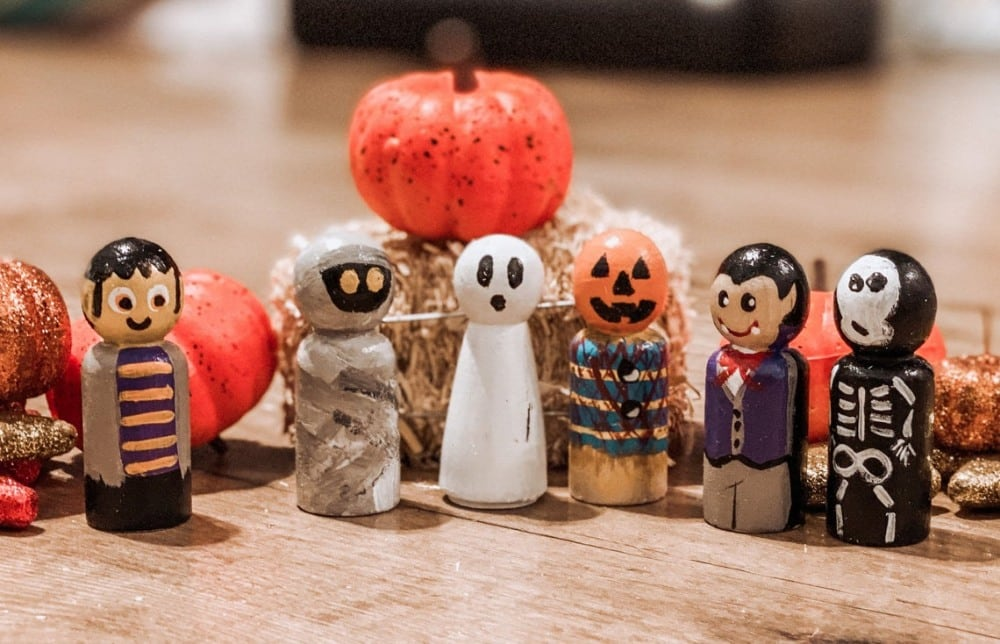 worth every penny brand halloween wooden painted peg dolls set