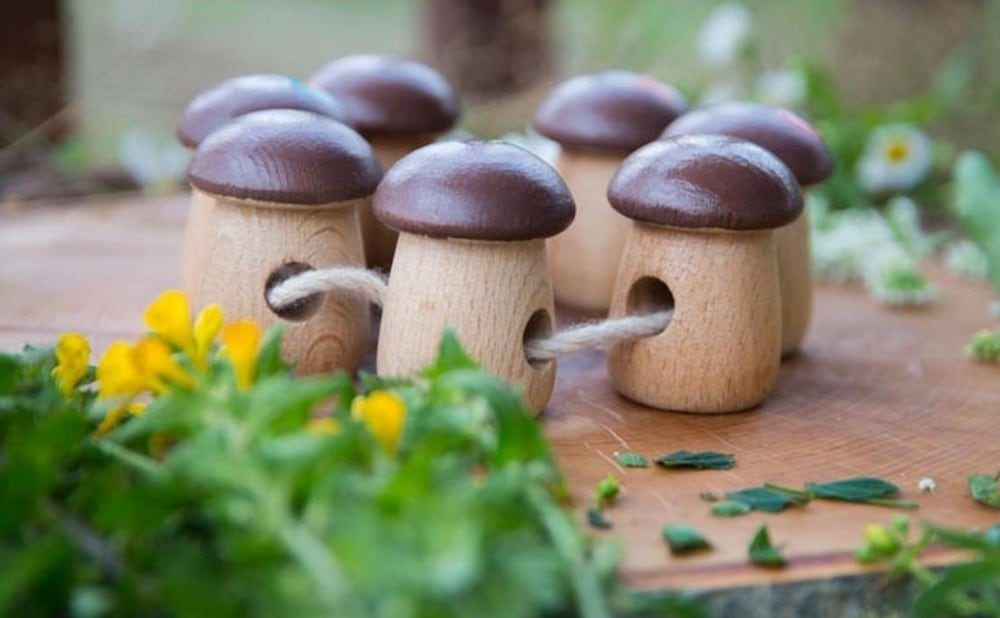 Wood And Care Brand Mushroom Wooden Beads Lacing Toy